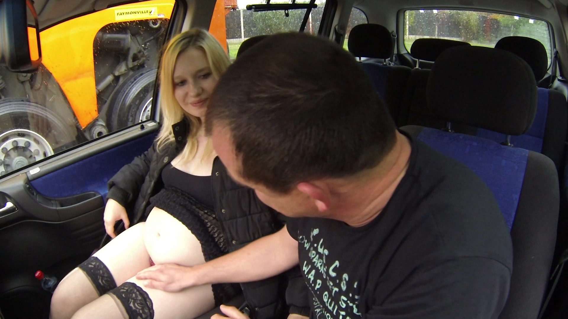 Czech Bitch – blonde and pregnant girl sucks and fucks for cash in his car