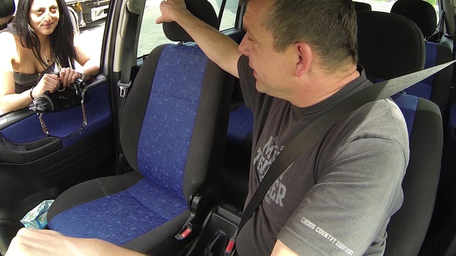 Typical streetwhore got fucked in the car – Czech Bitch video