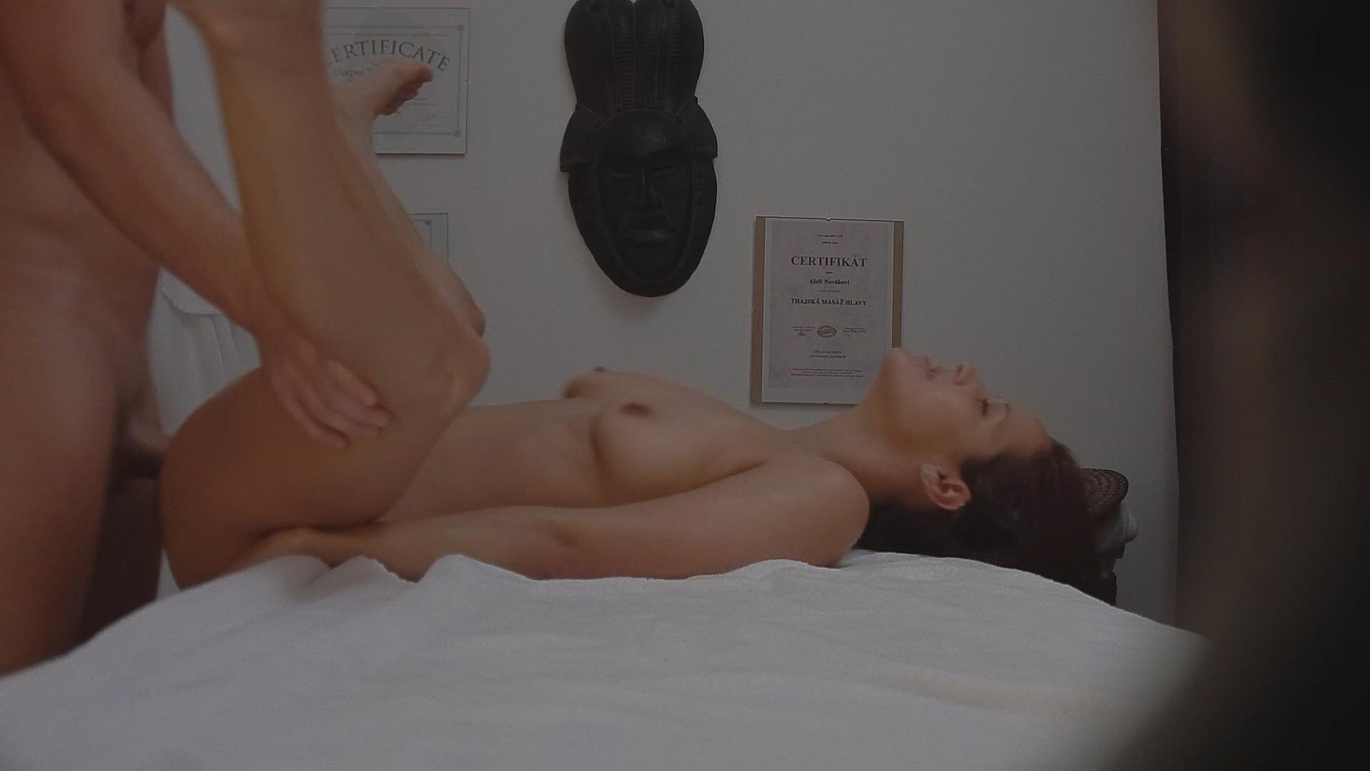 Чешская массаж порно 6 фотография