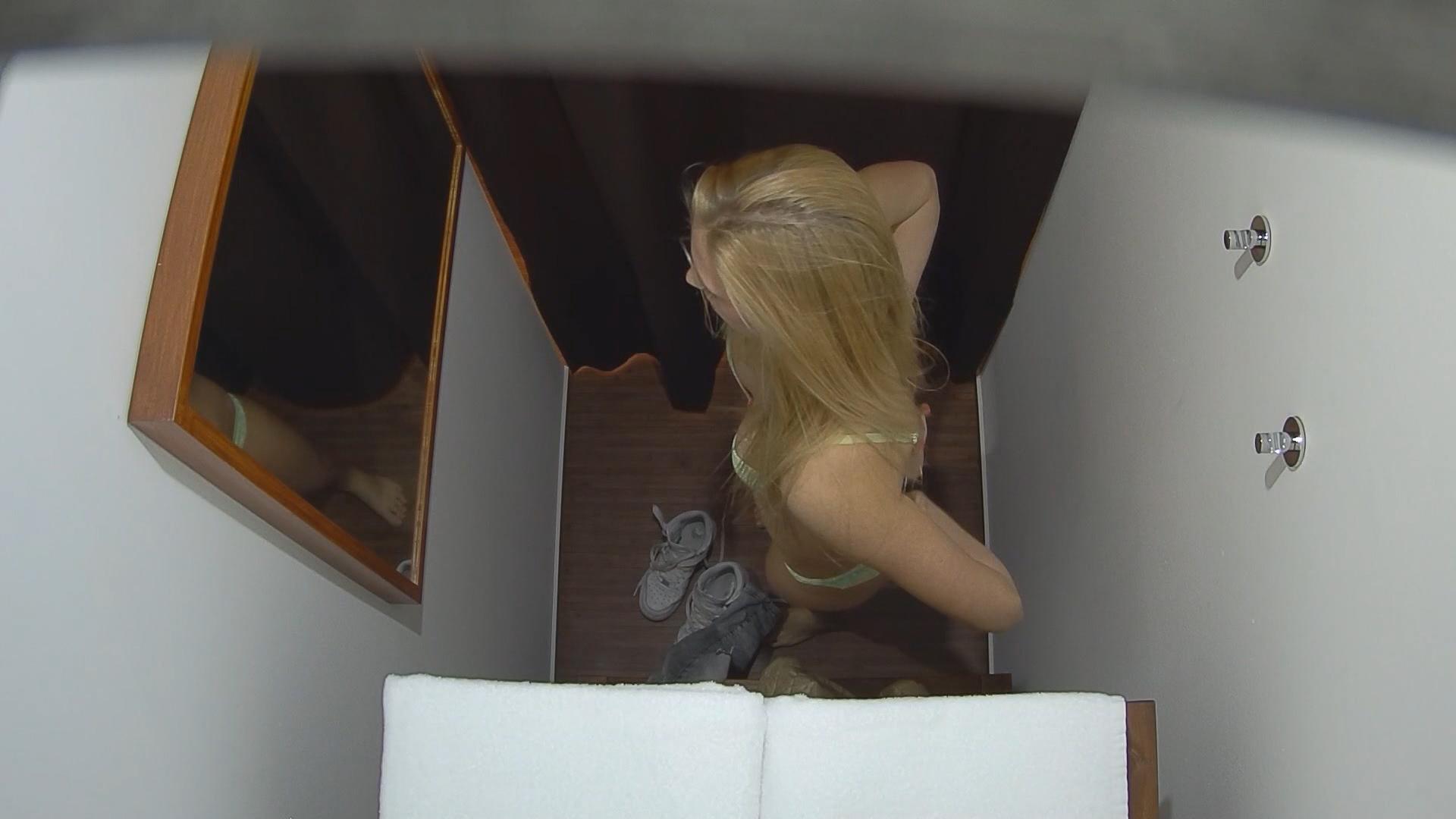 Сопротивлялась на массажном столе порно 17 фотография